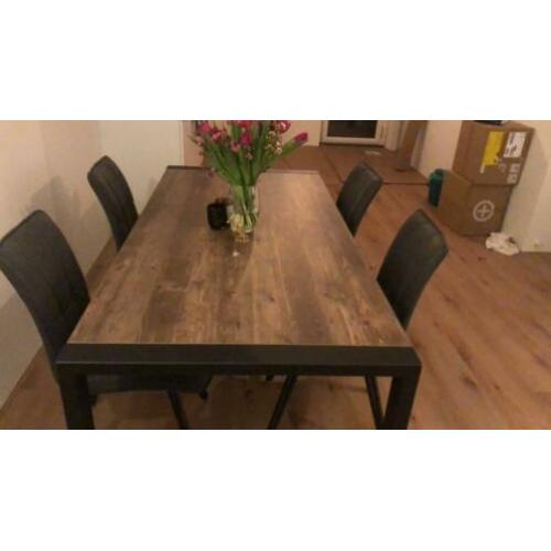 Brand new Table and Velor Chairs set (4 chairs)