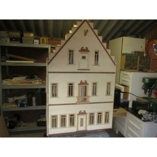 poppenhuis trapgevel model.