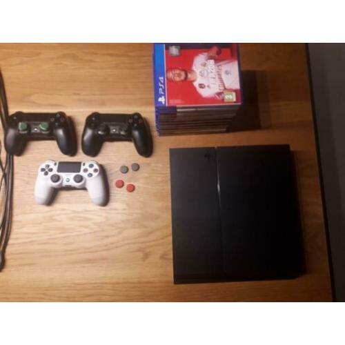 PlayStation 4 incl toebehoren en attributen