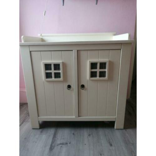 Commode, kast en wandplank